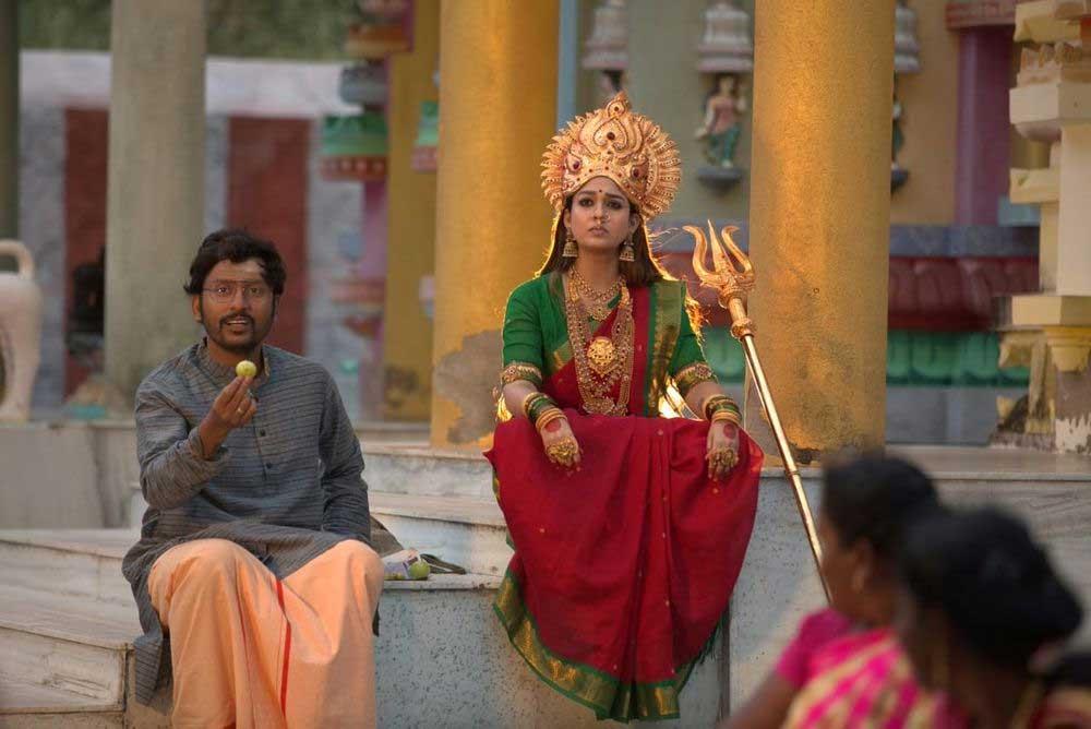 நயன்தாராவின் மூக்குத்தி அம்மன் முழு படம் தமிழ் ராக்கர்ஸ் இணையத்தில் லீக் ஆனது