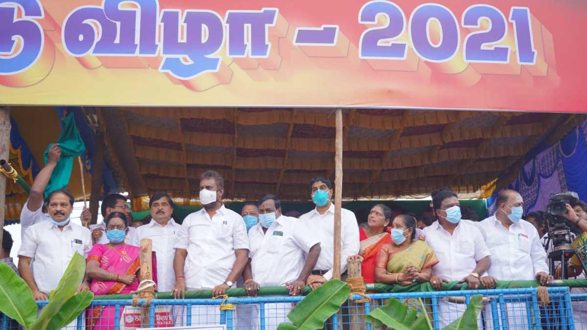 கோவை செட்டிபாளையத்தில் ஜல்லிக்கட்டு அமைச்சர் வேலுமணி தலைமையில்
